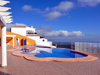Photo for Luxurious apartment / duplex with pool, terrace and panoramic views of the sea