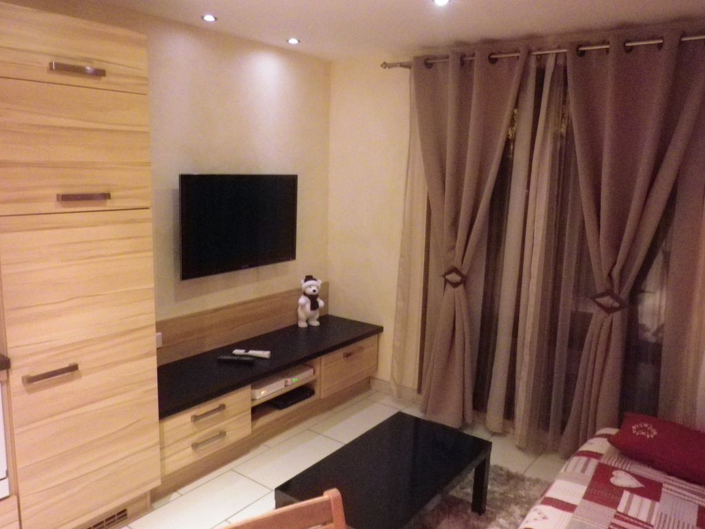 Les Deux Alpes Holiday Apartment: LES 2 ALPES - Studio 20m2 in ...
