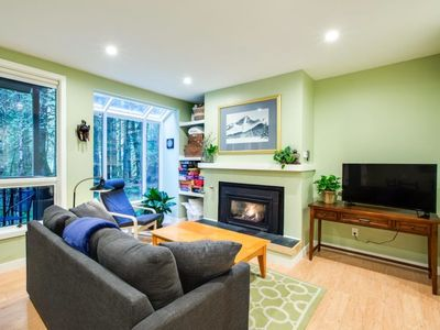 Photo for Apartment 75SW-Ground Floor Condo With WiFi! in Mount Baker/Glacier - 4 persons, 1 bedrooms