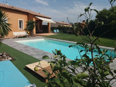 Photo for Villa pool sea view 6 people garden Giens near beach and village