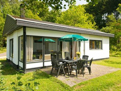 Photo for 6-person bungalow in the holiday park Landal Wirfttal - in the mountains/rolling countryside