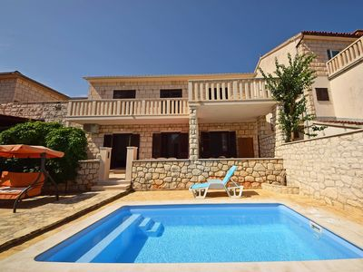 Photo for This 3-bedroom villa for up to 7 guests is located in Supetar and has a private swimming pool, air-c