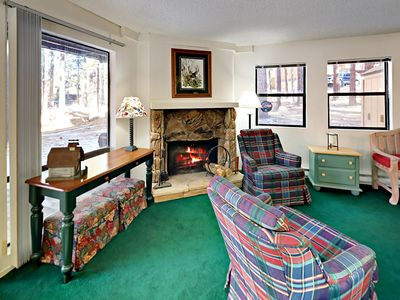 Photo for Midtown 2BR w/ Pool & Hot Tub, Private Deck - Drive 2 Minutes to Skiing