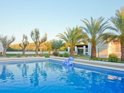 Photo for Dreamlike Villa in Idyllic Location with Wi-Fi, Air Conditioning, Pool and Garden
