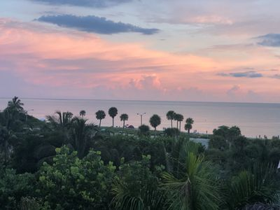 Photo for Lido Key Condo- Steps away from the beach. Contact us @ 513-439-3510