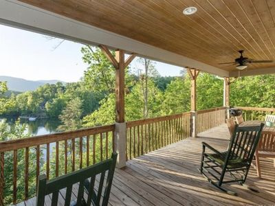 Photo for Gorgeous Lakefront Home! Thistle Ridge - Carolina Properties Vacation Rental