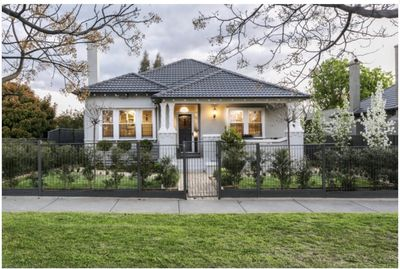 Home Away From Home  Perfect for short/long term Stayz - Flora Hill