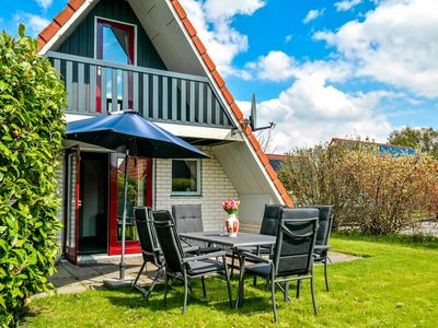 Photo for 6 pers. Holiday home in a small bungalow park near the Lauwersmeer