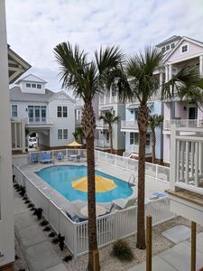 NEW CUSTOM 2 BR/2BA Luxury Condo, Steps to the Beach & Overlooking Pool