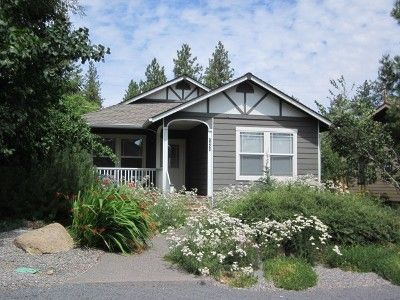 Photo for Huckleberry Cottage - Hot Tub, Walk to restaurants