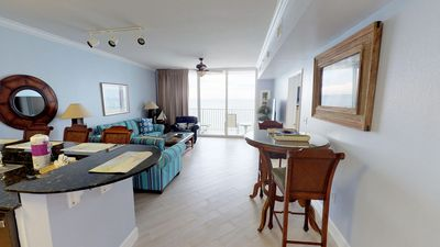 Photo for FREE BEACH CHAIRS 3/1-10/31/19. 9th Floor w/ Master on Gulf Sleeps 6