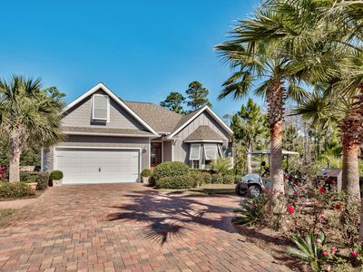 Photo for Inviting 4 Bdrm Home, Huge Pool, Golf Cart & Bikes - State Forest in Back Yard!