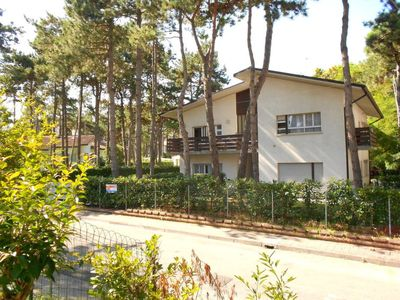 Photo for 2 bedroom Apartment, sleeps 6 in Lignano Sabbiadoro with Air Con