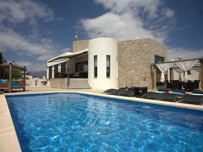 Photo for la Nucia Villa, Sleeps 8 with Pool, Air Con and WiFi