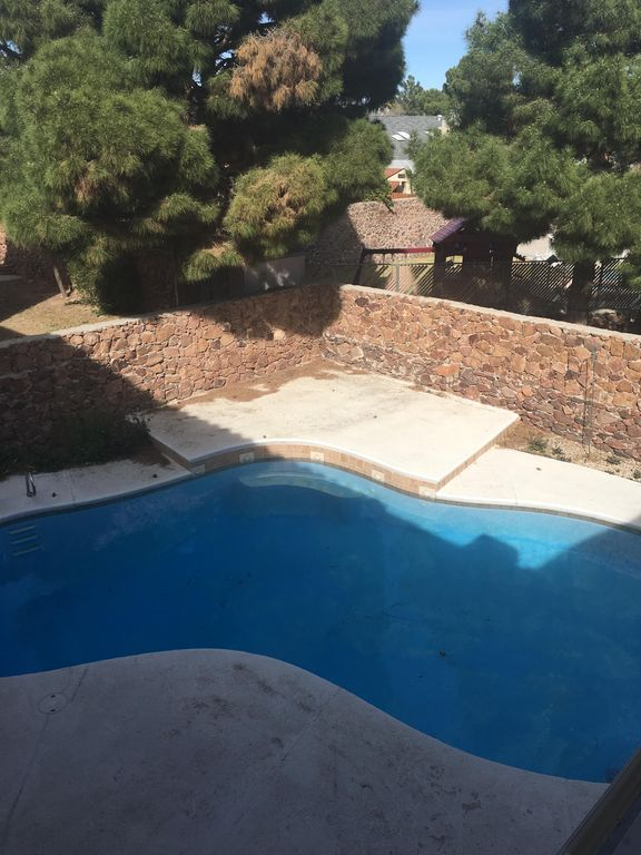 Large Home With Swimming Pool And Pool Table Valle De Oro Texas Rentals