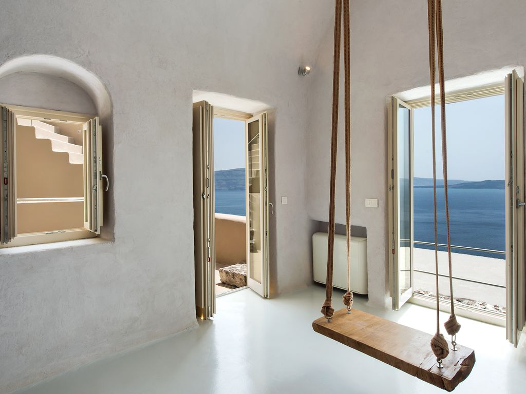 Brandnew! Recently renovated from scratch with original greek island style! Photo 1