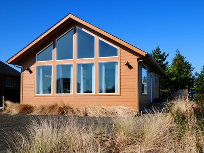 Photo for Moonraker Cottage - Just Minutes to Damon Point