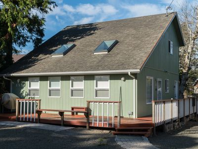 Photo for Three bedroom 2 bath home located in Glen Eden Beach with great beach access!