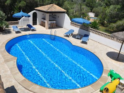 Photo for Pool, bar next to the pool, barbecue, wifi and less than 1 km from the beach