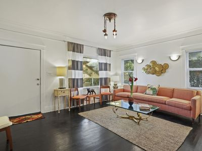 Photo for Hot Hollywood 2br/1ba