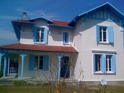 Photo for Beautifully Renovated House With Large Private Pool