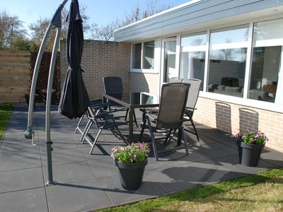 Photo for Modern bungalow with parking, large-cooked, just by the sea, Pets Allowed