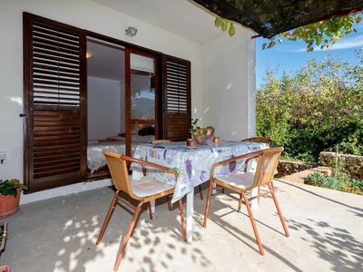 Photo for Two bedroom apartment with terrace Jelsa (Hvar)