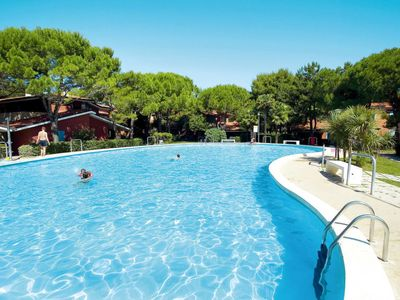 Photo for Bibione Apartment, Sleeps 5 with Pool and Air Con