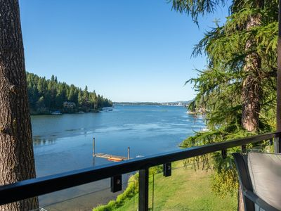 *ASK ABOUT SPECIALS!!! Beautiful Lakefront Home on Coeur d' Alene*