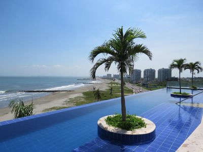 Photo for LUXURY 3 MINUTES FROM THE AIRPORT/TOURIST AREA