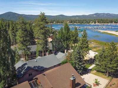 Ortega Sun: Spectacular Luxury Lakefront! Game Room with Pool Table! Gourmet Kitchen!