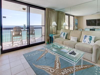 Photo for Lovely Condo, Splash pad with multiple pools and hot tub, Free Wi-Fi, On the beach