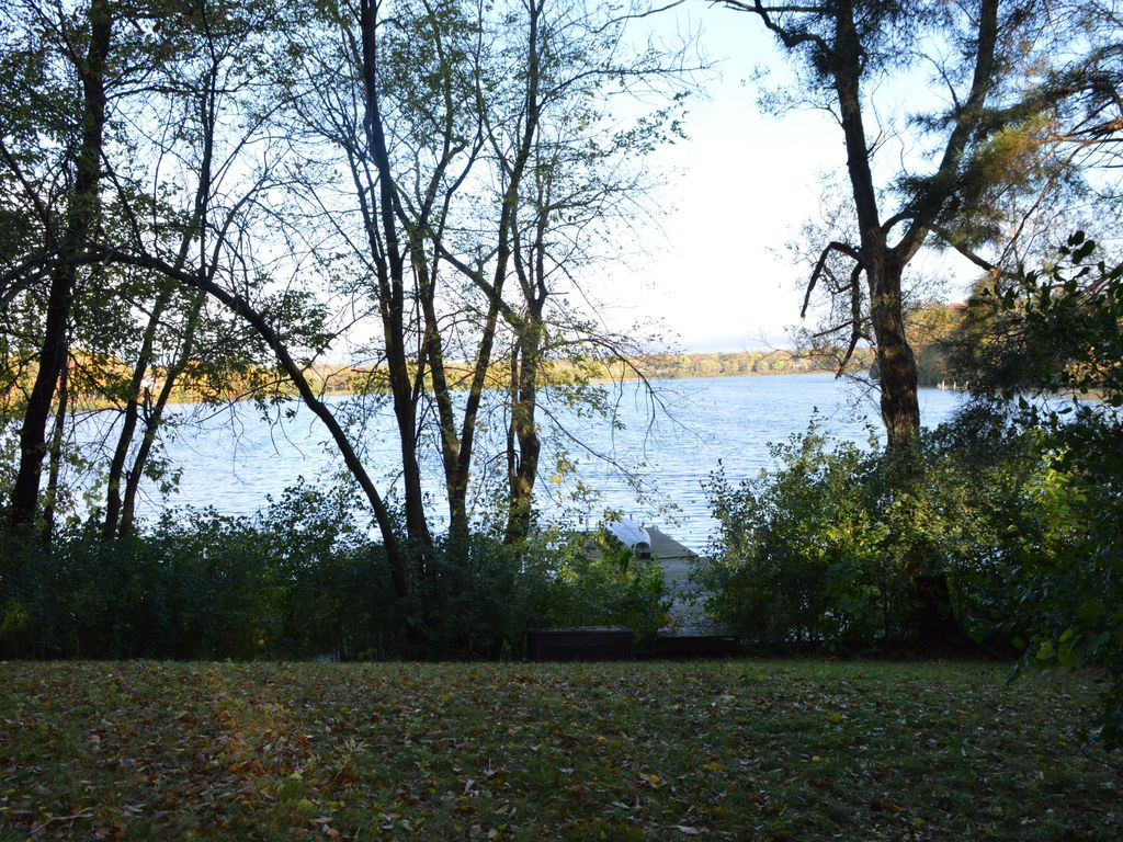 Executive Lake Home for business or relaxing retreat