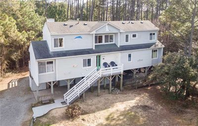 Photo for Treehouse Too: 5 bedroom, oceanside, pet friendly, close to the beach.