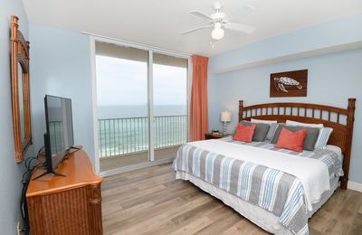 Photo for ⭐Newly listed! ⭐ Gulf front master bedroom! Newly renovated !!