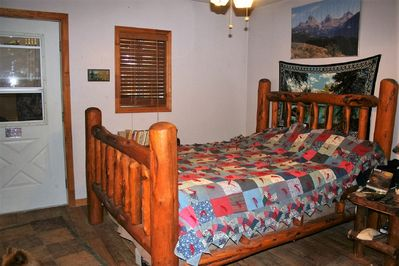 log bed / seperate enterence