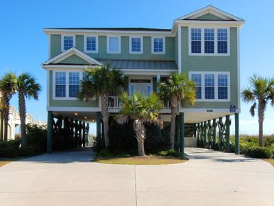 Photo for 8 BEDROOM, 7.5 BATHROOM, SLEEPS 18, OCEANFRONT, PRIVATE POOL, LONG BAY ESTATES