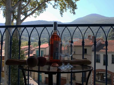 Photo for Sun-Filled Apt, Centre Old Ceret, Spectacular Balcony View
