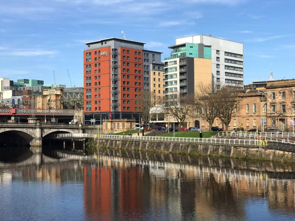 Glasgow City Centre Apartment with Stunning River Clyde Views