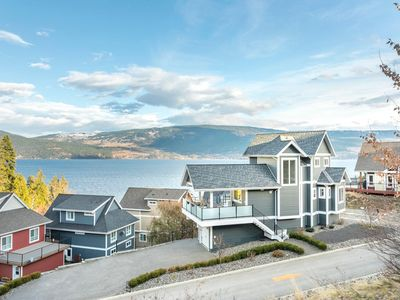 Photo for Executive Luxury 3 Bedroom Home with Panoramic Views and Premium Furniture.