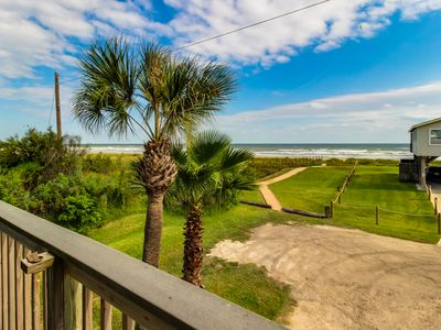 Photo for Dog-friendly oceanfront home with great views, lovely kitchen and deck