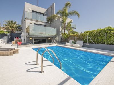 Photo for TH70 Modern villa for 6 people with sea views 200m to the beach