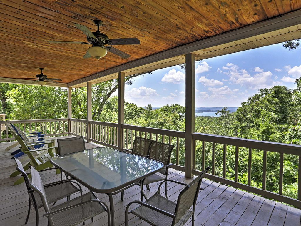 4br branson home w indoor pool basketball homeaway for Branson mo cabins with indoor pool