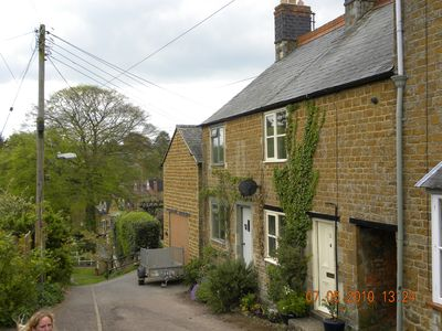 Photo for Cosy cottage with great pubs and brewery within walking distance. Pet friendly