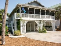 checked all the boxes-close to beach, screened porch, hammock, swing, rocking chair & pet-friendly