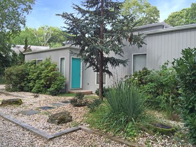 Photo for Modern designed 3-bedroom 2 bath home on a quiet, 1 acre, Southampton cul-de-sac