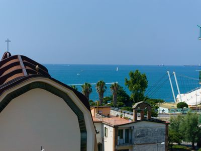 Photo for Holiday Home Neverending Sea: apartment with sea view in the center of Salerno