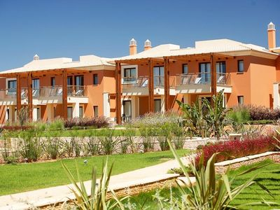 Photo for 3 bedroom Villa, sleeps 7 with FREE WiFi and Walk to Shops
