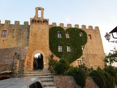 Photo for Appartam one bedroom apartment. C - in the castle in 1200 in Umbria on the river Puglia
