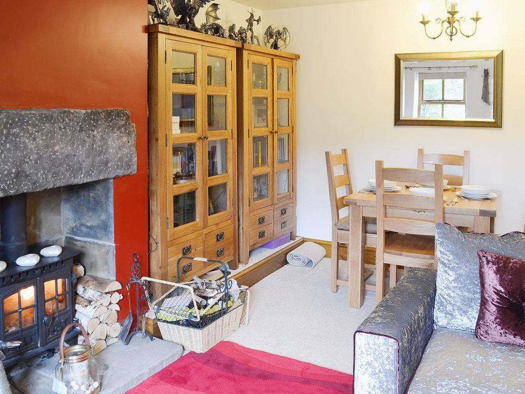 2 Bedroom Property In Holmfirth Pet Friendly Holmfirth West Yorkshire Yorkshire Rentbyowner